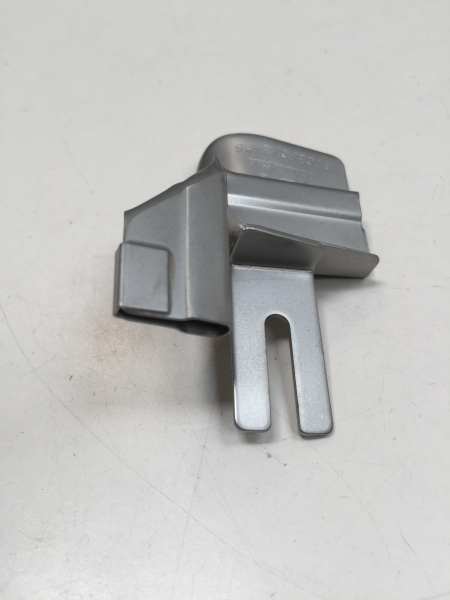 Guide passepoil pour surjeteuse -fixation sur patte escamotable